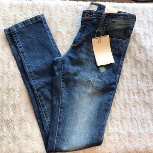 BNWT Zara distressed skinny jeans size 4/26